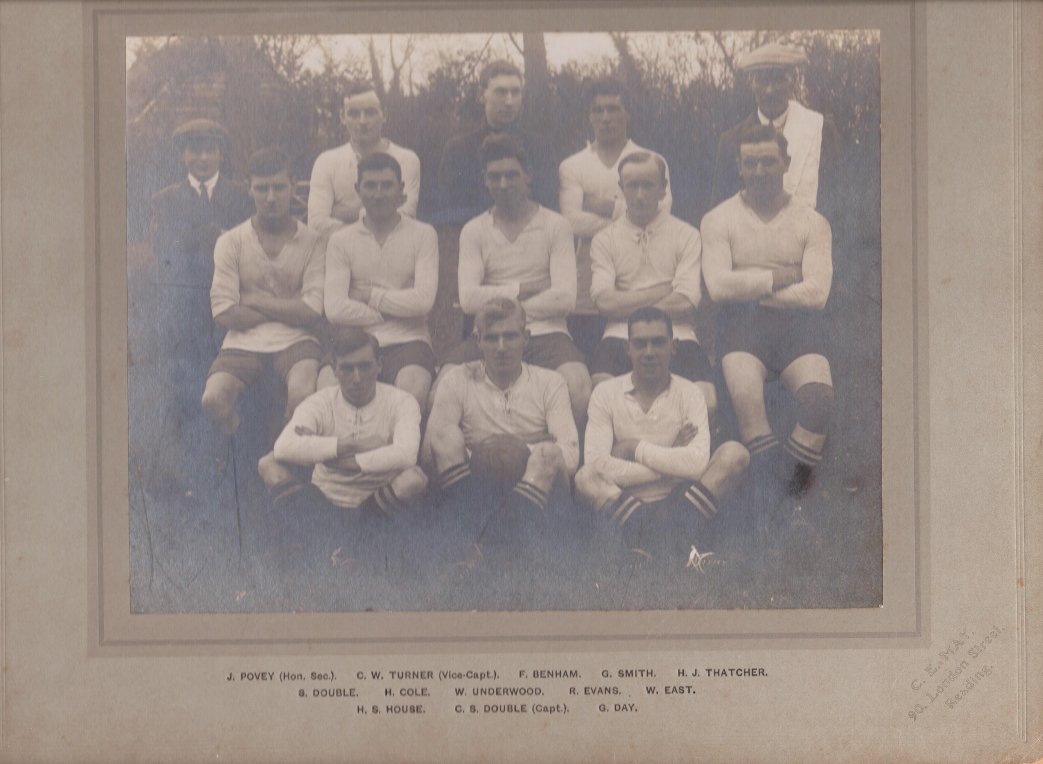 Spencers Wood Football Teams